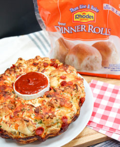 pizza bread on a plate